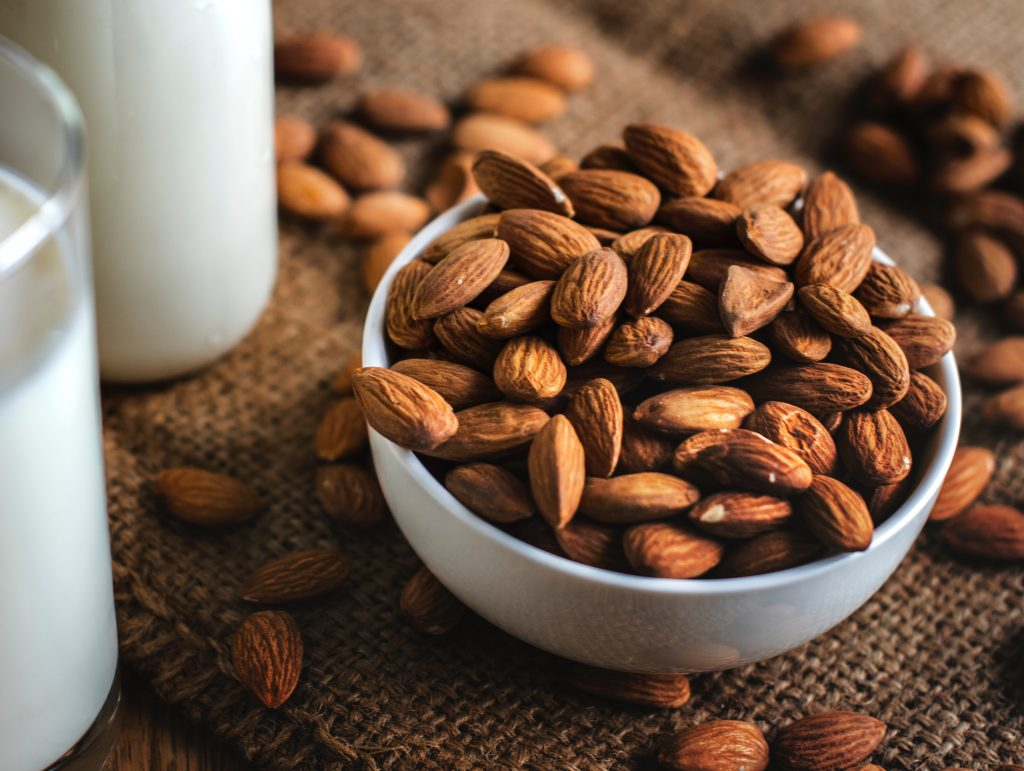 almonds healthy food