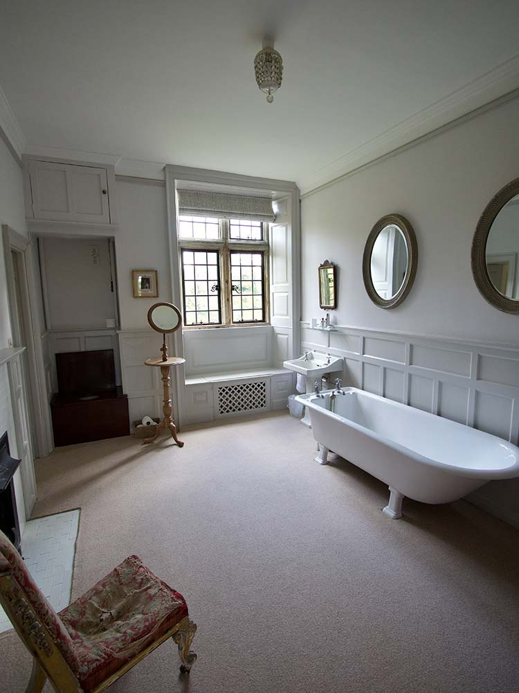 Mapperton House bathroom